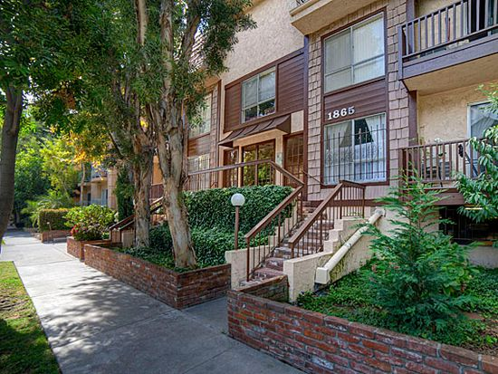 1865 Greenfield Ave APT 204, Los Angeles, CA 90025