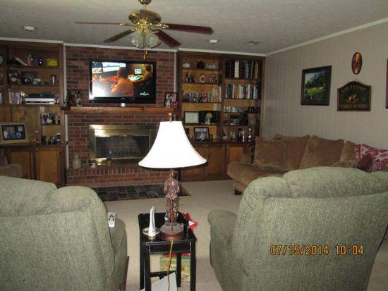 846 Oaklawn Dr, Swainsboro, GA 30401