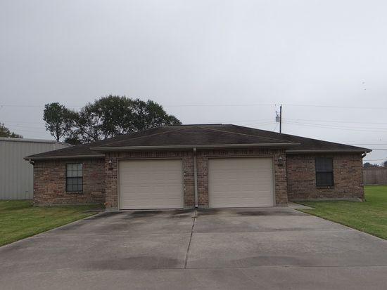 2713 Tyler Ave, Nederland, TX 77627