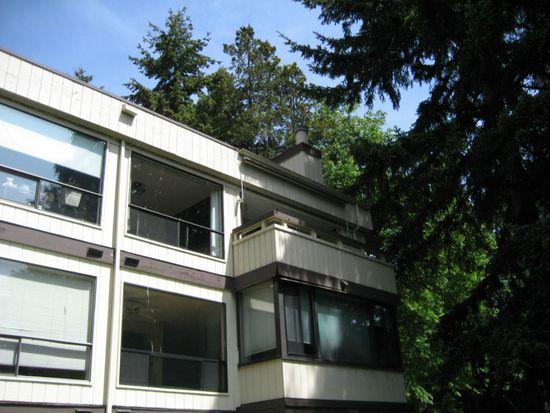 13735 15th Ave NE APT 5, Seattle, WA 98125