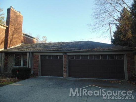 15852 E Jefferson Ave, Grosse Pointe Park, MI 48230