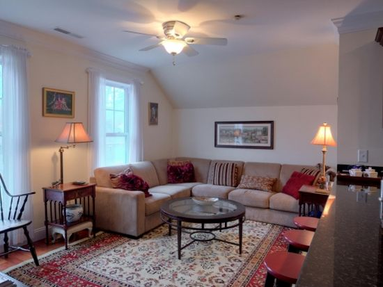 437 Winnacunnet Rd APT 301, Hampton, NH 03842