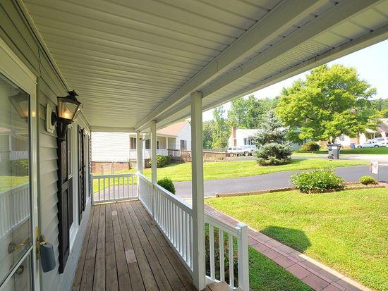 916 Hartford Ln, North Chesterfield, VA 23236