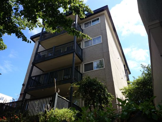 5050 California Ave SW APT 7, Seattle, WA 98136
