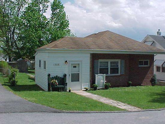913 Henry St, Princeton, WV 24740