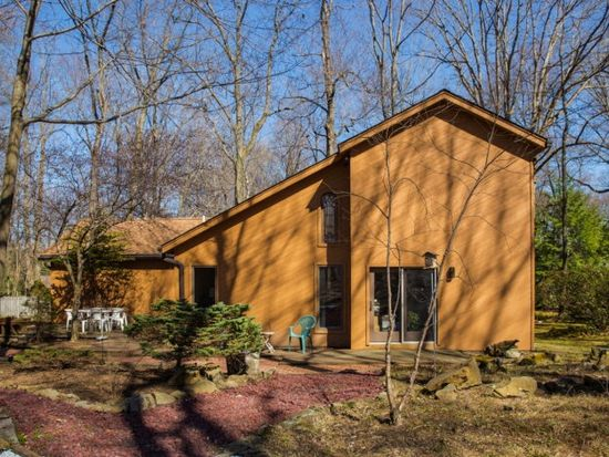 132 Linda Ln, Meadville, PA 16335