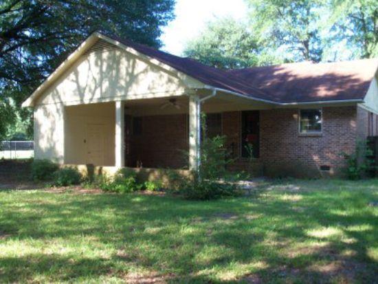 2698 Pineland Cir, Hartsville, SC 29550
