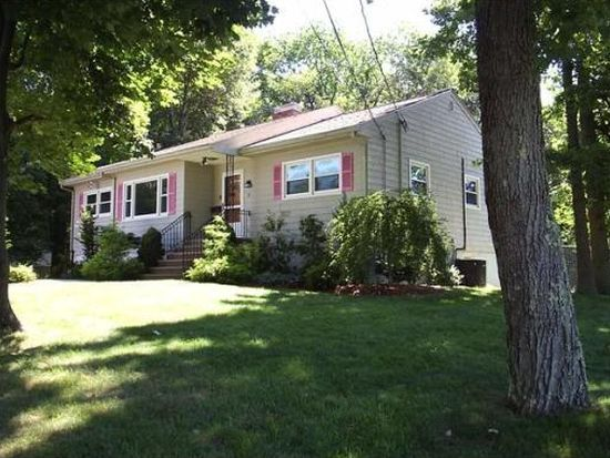 15 Governors Dr, Reading, MA 01867