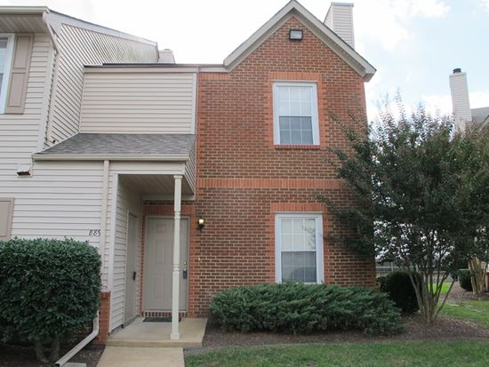 889 Gas Light Ln, Virginia Beach, VA 23462
