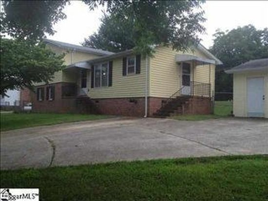 2 Rawood Dr, Travelers Rest, SC 29690