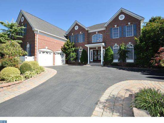 102 Oakmont Dr, Moorestown, NJ 08057