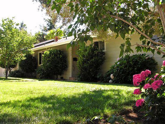 920 Live Oak Ave, Ukiah, CA 95482