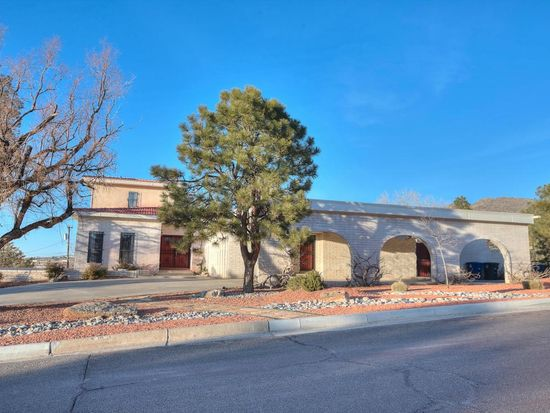 1001 Warm Sands Dr SE, Albuquerque, NM 87123