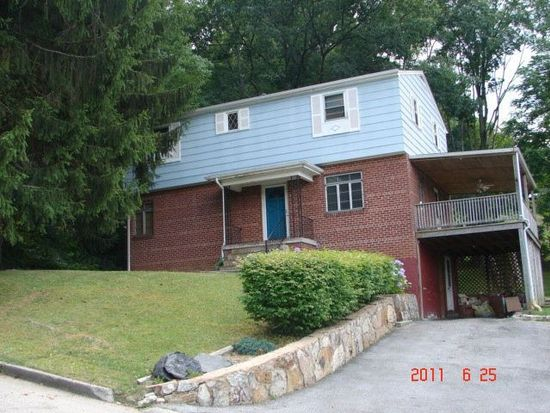 2804 Tolosa St, Bluefield, WV 24701