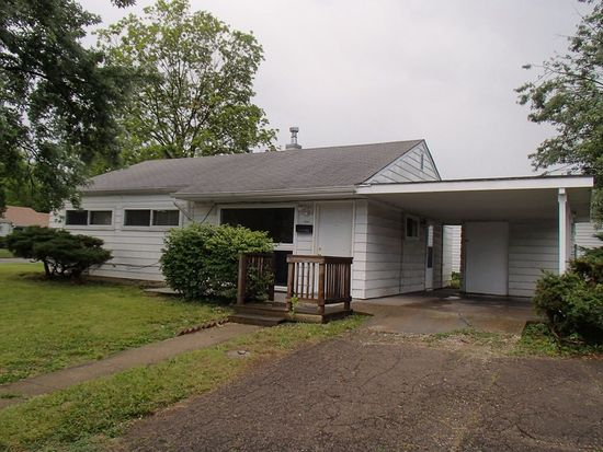 6735 E 49th St, Lawrence, IN 46226