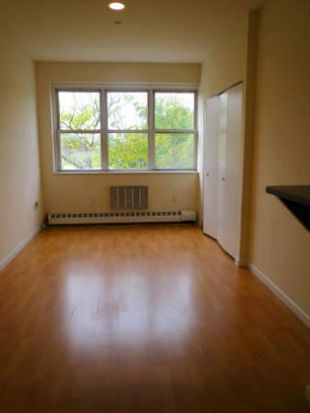 2737 27th St APT 4E, Astoria, NY 11102