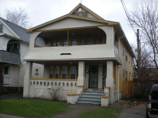 867 Linn Dr, Cleveland, OH 44108