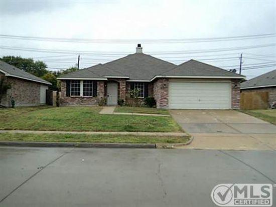 2120 Hacienda Ct, Grand Prairie, TX 75052