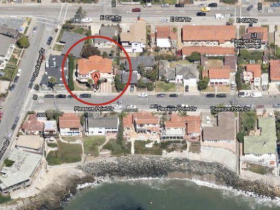 2935 Pleasure Point Dr, Santa Cruz, CA 95062