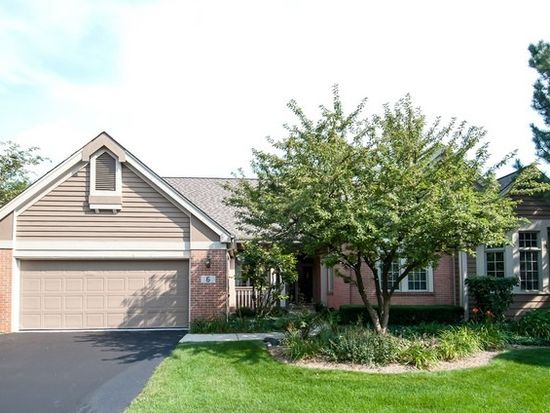 6 Canterbury Ct, Lake In The Hills, IL 60156