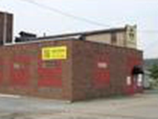 208 Mechanic St, New Castle, PA 16101