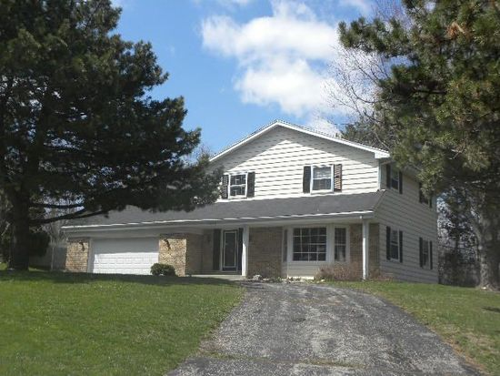 13620 Forest Grove Rd, Brookfield, WI 53005