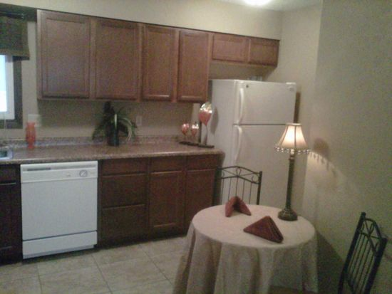 890 33rd Ave APT C, Marion, IA 52302