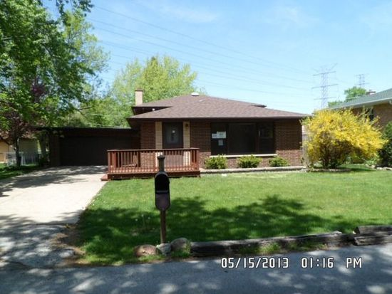 11124 Forest Woods Dr, Willow Springs, IL 60480