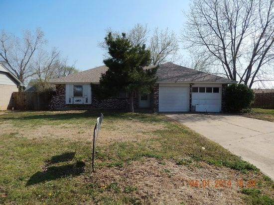 1012 NW 2nd St, Moore, OK 73160