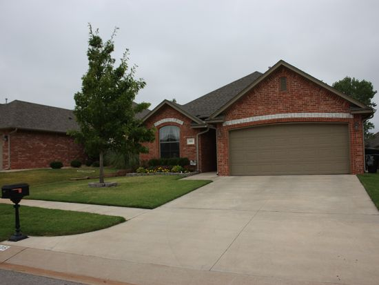 805 SW 38th St, Moore, OK 73160