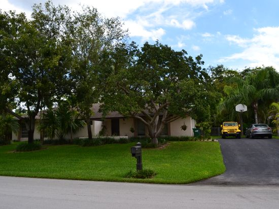 18005 SW 88th Ct, Palmetto Bay, FL 33157
