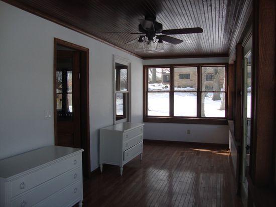 1205 River Terrace Dr, Johnsburg, IL 60051