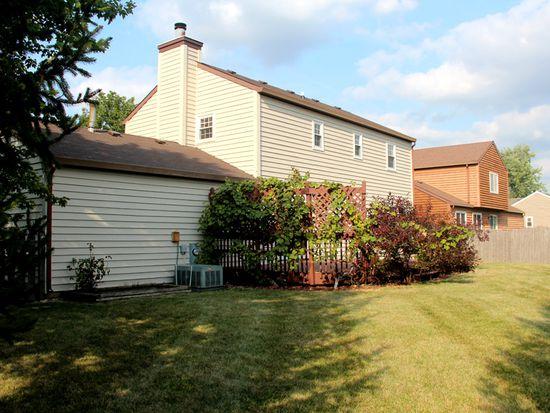 1370 Carleton Cir, Naperville, IL 60565