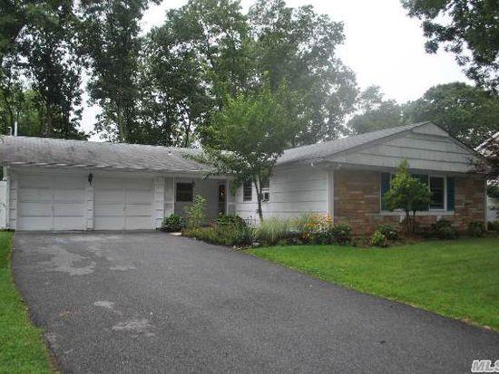 47 Bonnie Ln, Stony Brook, NY 11790