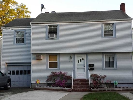 215 New Milford Ave, Dumont, NJ 07628