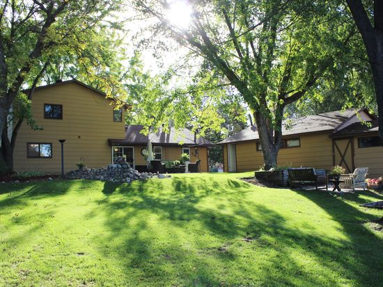 10210 Redwood St NW, Coon Rapids, MN 55433