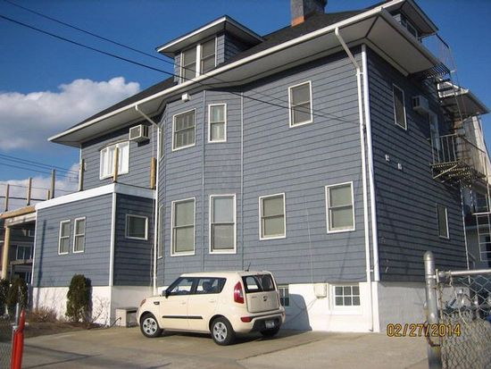 11917 Newport Ave, Far Rockaway, NY 11694