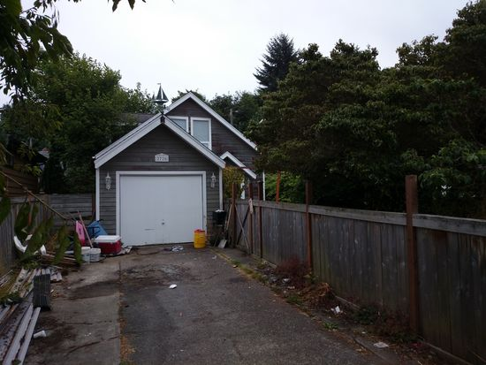 2726 57th Ave SW, Seattle, WA 98116