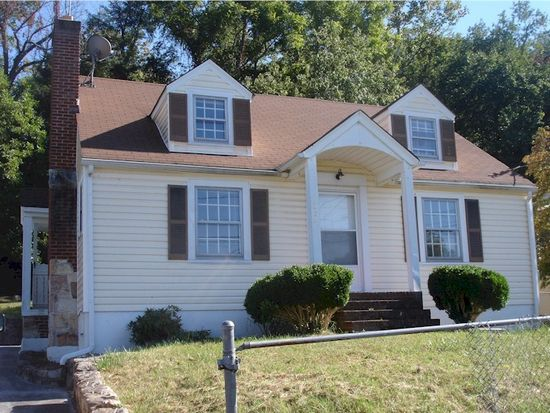 305 E Trout St, Covington, VA 24426