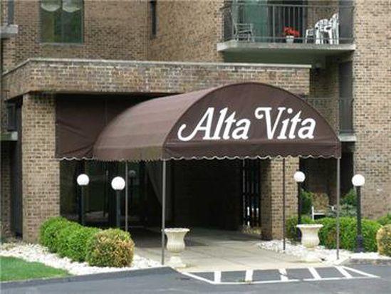 3 Alta Vita Dr APT 307, Greensburg, PA 15601