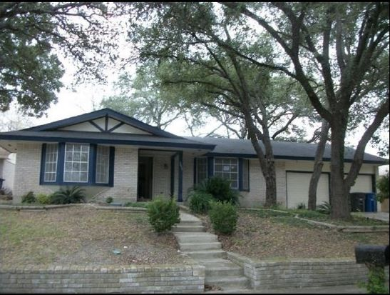 3611 Falls Creek Dr, San Antonio, TX 78230