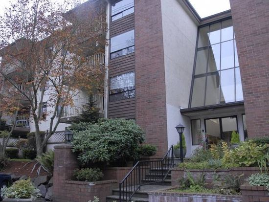 10501 8th Ave NE APT 402, Seattle, WA 98125