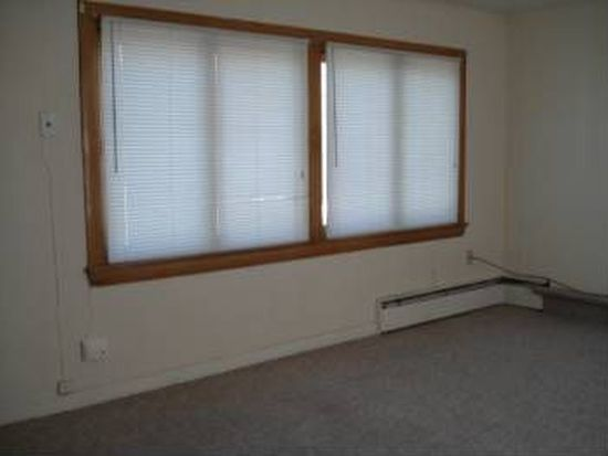8 Gold St APT 4, Waterville, ME 04901