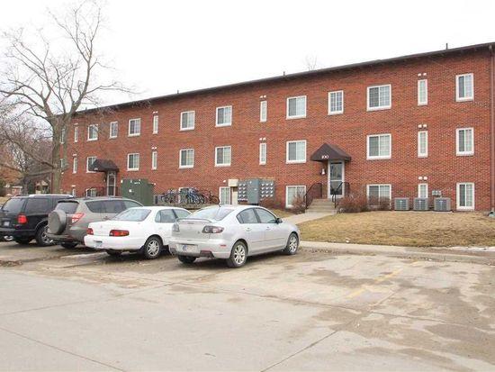 124 Grandview Ct, Iowa City, IA 52246