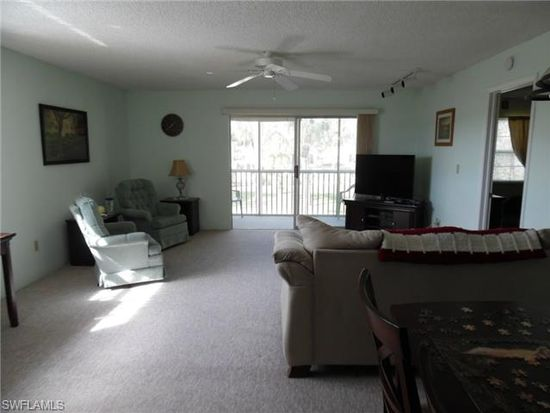 7025 New Post Dr APT 8, North Fort Myers, FL 33917