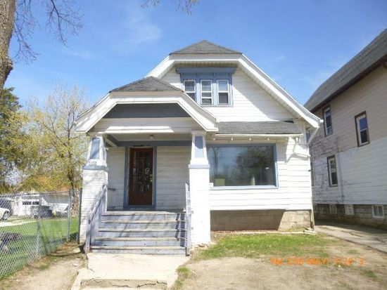 3332 N Palmer St, Milwaukee, WI 53212