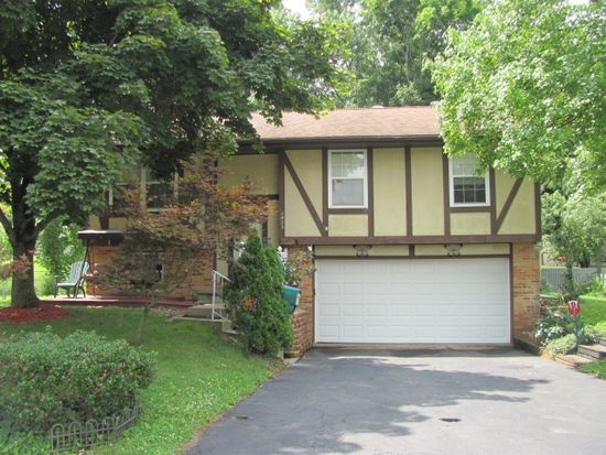 1833 Lakeview Dr, Newark, OH 43055
