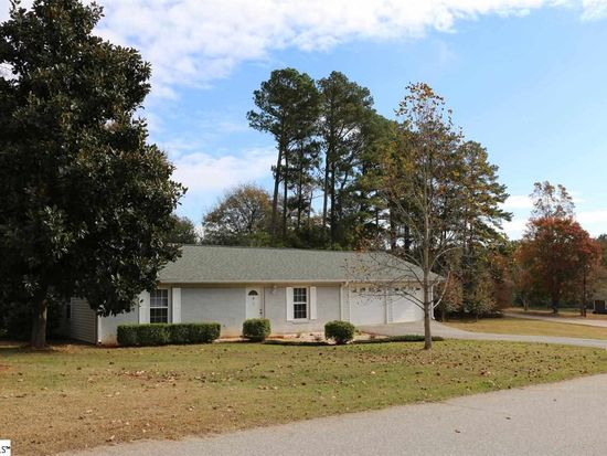 32 Brookville Dr, Wellford, SC 29385