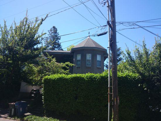 1009 Summit Ave E, Seattle, WA 98102