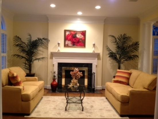 405 Tschiffely Square Rd, Gaithersburg, MD 20878